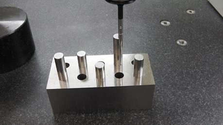 三次元測定に治具を使用した例